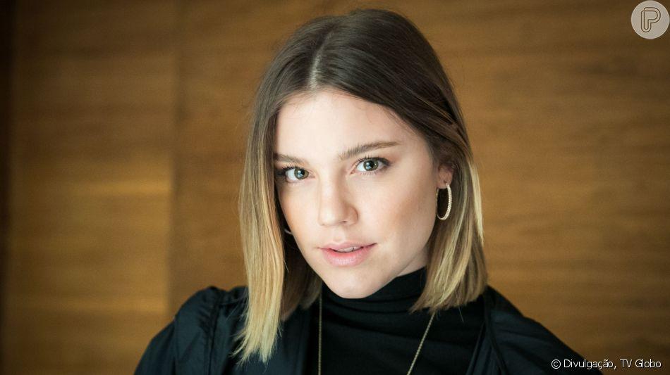 Rania (Eliane Giardini) vai avisar para a família de Laila (Julia Dalavia) e Jamil (Renato Góes) das armações de Dalila (Alice Wegmann) mas nada vai adiantar na novela 'Órfãos da Terra'.