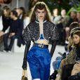 A Louis Vuitton apostou no estilo mais arrendodado para valorizar os ombros