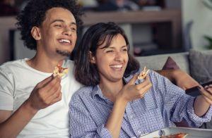 Dicas para ter um programa especial no Dia dos Namorados sem sair de casa