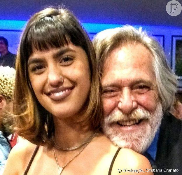 José de Abreu minimizou diferença de idade no namoro com a maquiadora Carol Junger, de 22 anos, 51 anos mais jovem que ele: 'Só atrapalha quem sente a idade que tem'