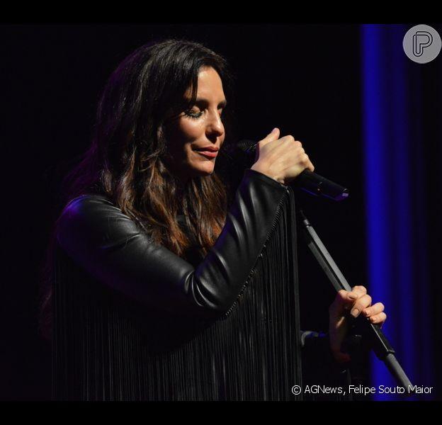 Ivete Sangalo subiu ao palco do teatro Guararapes, em Recife, na noite de quinta-feira, 9 de outubro de 2014
