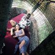 Anitta e Pedro Scooby posaram para fotos durante viagem a Bali