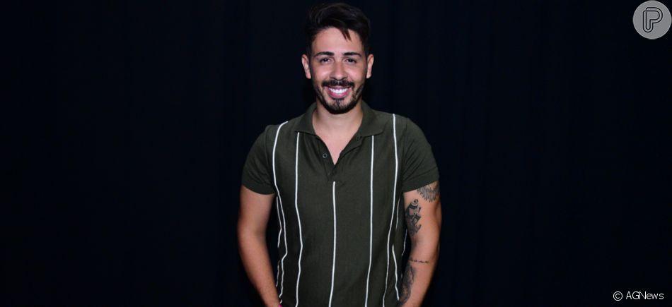 Carlinhos Maia comemora aniversário de 28 anos na Grécia