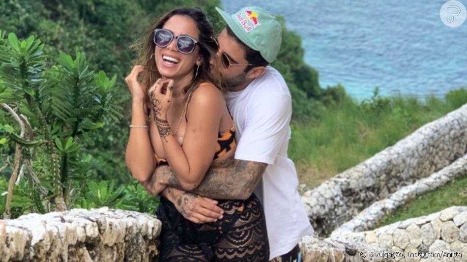 Anitta aprova presente comprado por Scooby para filha, Liz, durante viagem ao México. Confira vídeo postado por cantora nesta sexta-feira, dia 14 de junho de 2019