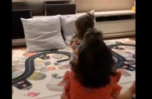 Gêmeas de Ivete Sangalo assistem a mãe como desenho na TV: 'Ninguém pisca'