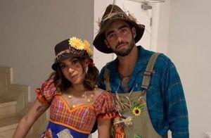Festa Junina de Anitta tem troca de look, beijo em namorado e presença de Neymar
