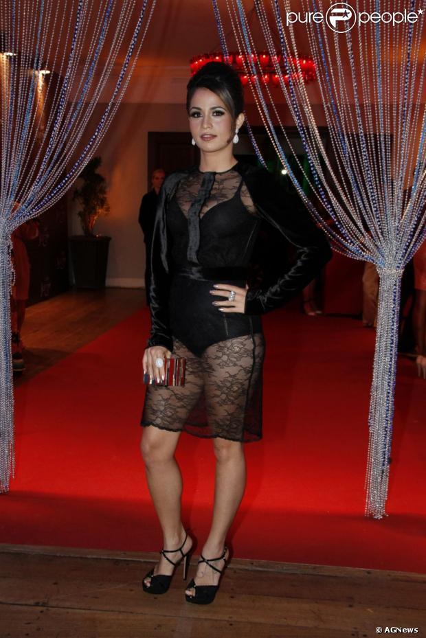 Nanda Costa na festa de lançamento da novela 'Salve Jorge' (Foto: Alex Palarea e Roberto Filho)