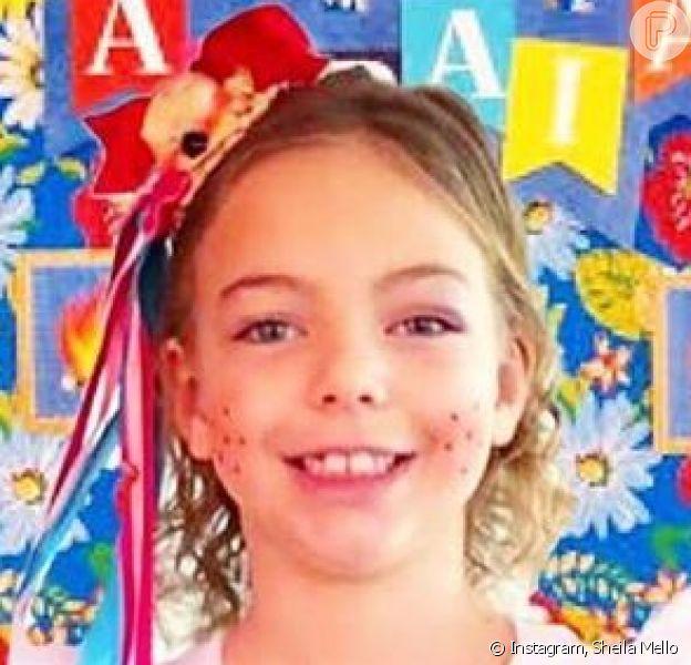 Sheila Mello impressionou pela semelhança com a filha, Brenda, de 6 anos: 'Parecidíssima'