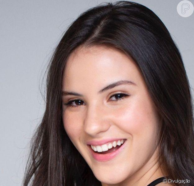 Giovanna Rispoli entregou ciúmes do namorado, o estudante Felipe Tupinambá: 'Quando tiverem as cenas de beijo ele não quer ver'