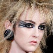 Olhos de gato e glitter: conheça as tendências de maquiagem da alta-costura