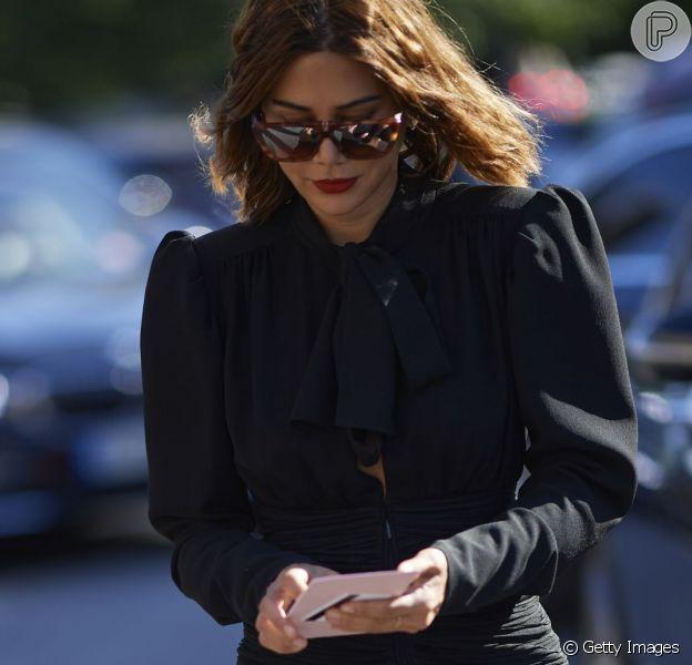 Oito vestidos pretos na liquidação para todos os estilos
