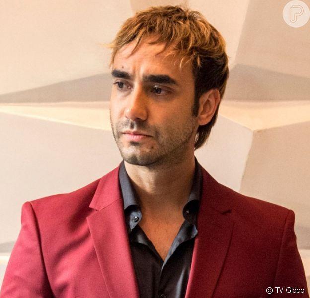 Galdino (Gabriel Godoy) é desmascarado na novela 'Verão 90'