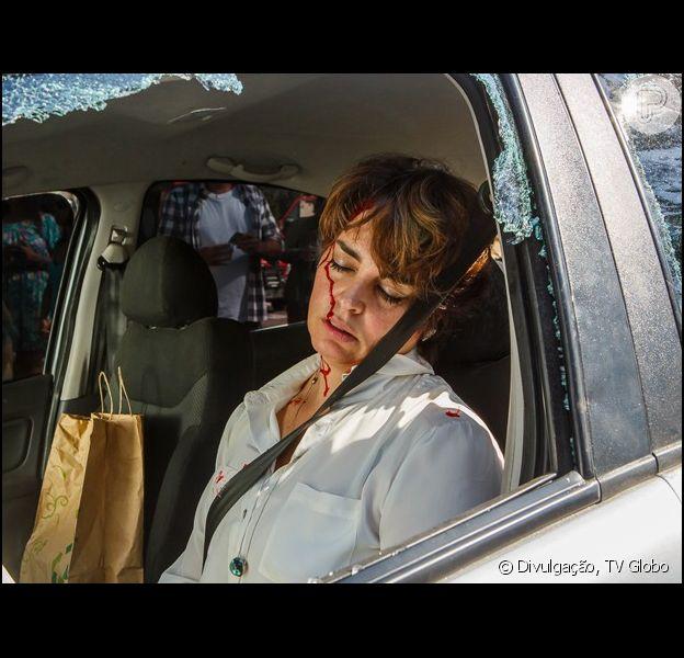Beatriz (Suzy Rêgo) vai sofrer um gravíssimo acidente de carro no capítulo da novela 'Império' que vai ao ar nesta segunda-feira, 13 de outubro de 2014