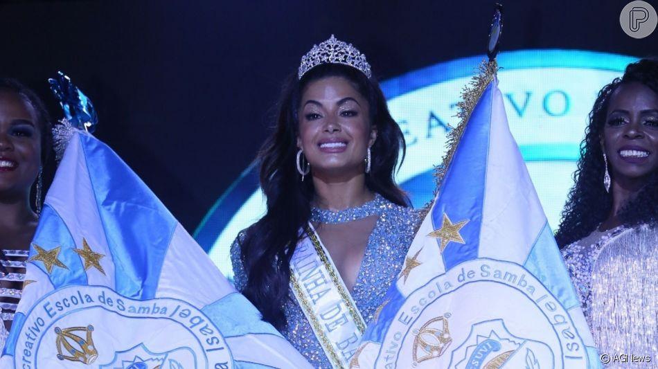 Aline Riscado foi coroada a nova rainha de bateria da Vila Isabel na madrugada deste domingo, 14 de julho de 2019