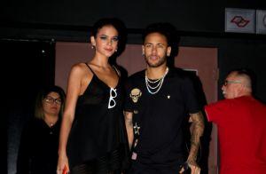 Neymar chama atenção na web ao mostrar nova boneca de jogo: 'É a Marquezine'
