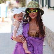 Sabrina Sato veste a filha, Zoe, com look dado por Ivete: 'Superdelicado'. Vídeo