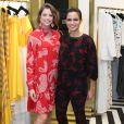 Agatha Moreira e Nanda Costa posam juntas em evento fashion