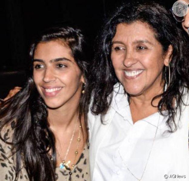 Filha de Regina Casé, Benedita Casé revela surdez: 'É a primeira vez que falo publicamente'