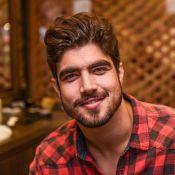 Caio Castro faz procedimento a laser para evitar queda de cabelo: 'Ficar forte'