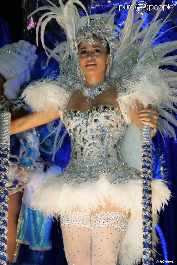 Nanda Costa desfilou pela Beija-Flor no Carnaval do Rio