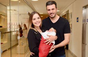 Thaeme mostra semelhança entre marido e filha, Liz: 'Só emprestei o útero mesmo'
