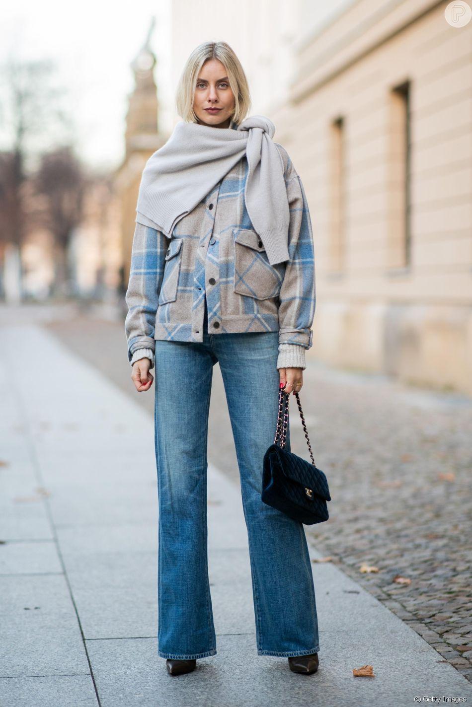 Peças que nunca saem de moda: a calça jeans é uma das peças mais versáteis do closet