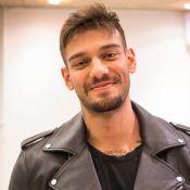 Lucas Lucco destaca apoio da namorada após cirurgia: 'Segurou minha mão'