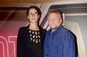 Paola Carosella faz rara aparição com o marido, Jason Lowe, em première. Fotos!