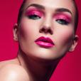 Maquiagem colorida: combinar sombra com batom é tendência