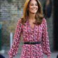 Kate Middleton usa vestido midi nesta quinta-feira, dia 05 de setembro de 2019