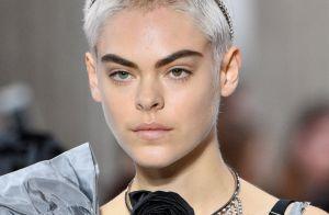 Arco de cabelo volta à moda muito mais glam. Inspire-se na trend e saiba usar!