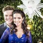 Thais Fersoza usa vestido azul em casamento com Michel Teló. Veja fotos!