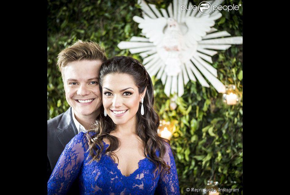 Michel Teló e Thais Fersoza divulgam primeiras fotos do casamento: 'Sr e Sra Teló'. Cerimônia aconteceu em São Paulo, nesta quarta-feira, 14 de outubro de 2014