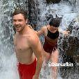Sergio Guizé curtiu banho de cachoeira com mulher, Bianca Bin, nesta terça-feira, 11 de setembro de 2019