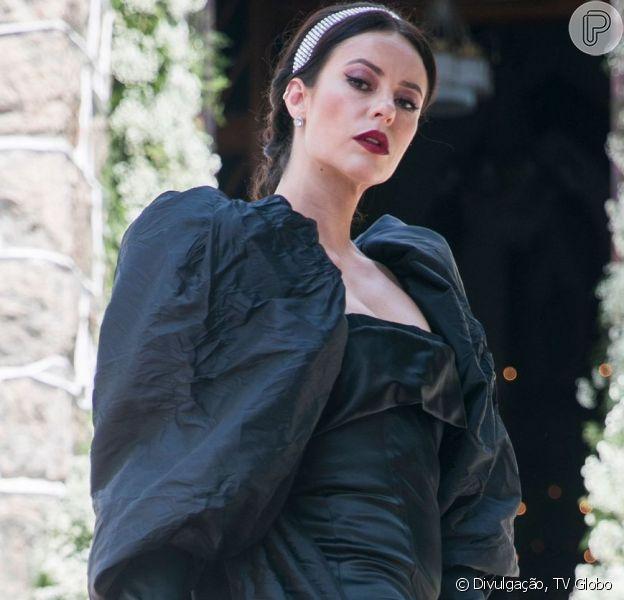 Novela 'A Dona do Pedaço': Vivi Guedes (Paolla Oliveira) usa vestido de noiva da Dolce & Gabbana