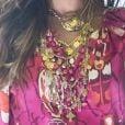 Novela 'A Dona do Pedaço': Maria da Paz (Juliana Paes) é adepta a 'chunky bijoux', isto é, acessórios com elos grossos e pendentes exagerados