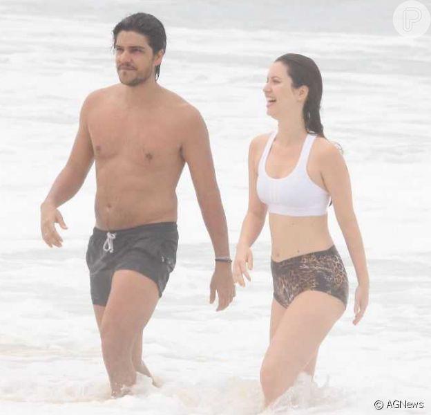 Nathalia Dill é fotografada em momento raro com o noivo,Pedro Curvello
