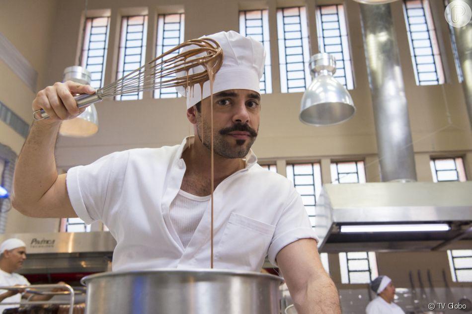 Abel (Pedro Carvalho) participa do programa após Fabiana (Nathalia Dill) mandar na novela 'A Dona do Pedaço'