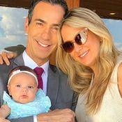 Ticiane Pinheiro viaja em família e celebra 3 meses da caçula: 'Nossa Manu'