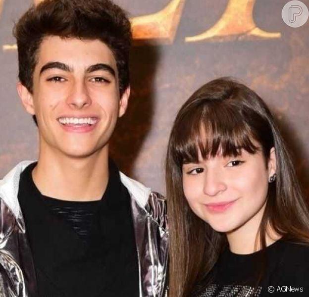 Sophia Valverde paparicou a irmã caçula do seu namorado, Lucas Burgatti, Sarah, de 4 meses