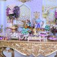 Festa de aniversário de neta de Roberto Carlos contou com mesa de doces bem grande e temática nesta sexta-feira, dia 25 de outubro de 2019