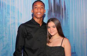 Mel Maia beija namorado na piscina e define relacionamento: 'É muito forte'