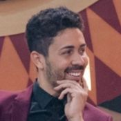 Carlinhos Maia é criticado ao rabiscar quadro em hotel:'Difamou arte brasileira'