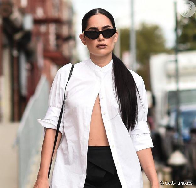 Camisa branca, calça jeans e mais peças certeiras para comprar na Black Friday 2019