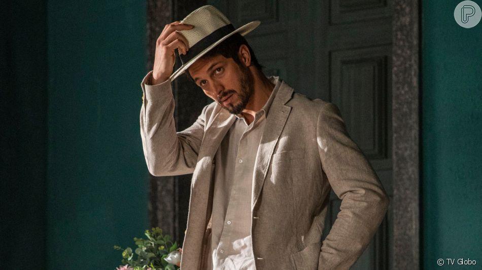 Marcos (Romulo Estrela) questiona Alberto (Antônio Fagundes) sobre sentimento dele por Paloma (Grazi Massafera) na novela 'Bom Sucesso'