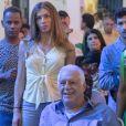 Marcos (Romulo Estrela) volta a pressionar o pai sobre o que ele realmente sente por Paloma (Grazi Massafera) na novela 'Bom Sucesso'