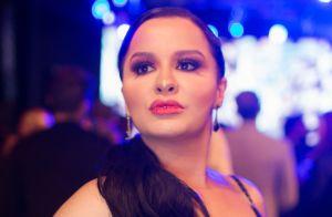 Vestido, brilho, babado e decote 'v': o look de Maraisa em festa de gravadora