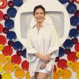 A atriz Fabiula Nascimento aliou conforto e estilo com camiseta oversized e saia