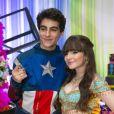 Sophia Valverde e Lucas Burgatti completaram 4 meses de namoro