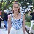 Marina Ruy Barbosa apostou na blusa espartilho com estampa floral para festa de aniversário